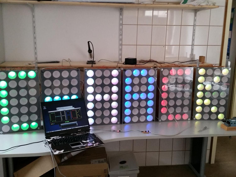 c-hack-panel-bunt